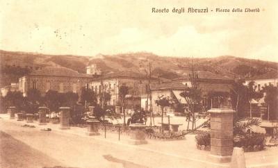 ERA-ROSETO_PIAZZA-DELLA-LIBERTA