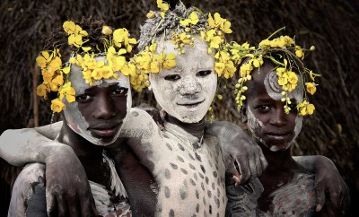Jimmy-Nelson-Before-They-Pass-Away-Karo-Tribe-Yellowtrace-03