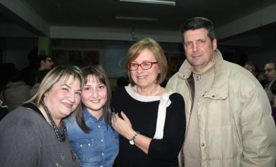 Lucrezia D'Incecco con i genitori e il sindaco Rapattoni