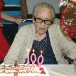 Sono cento candeline per la dolcissima nonna Amalia